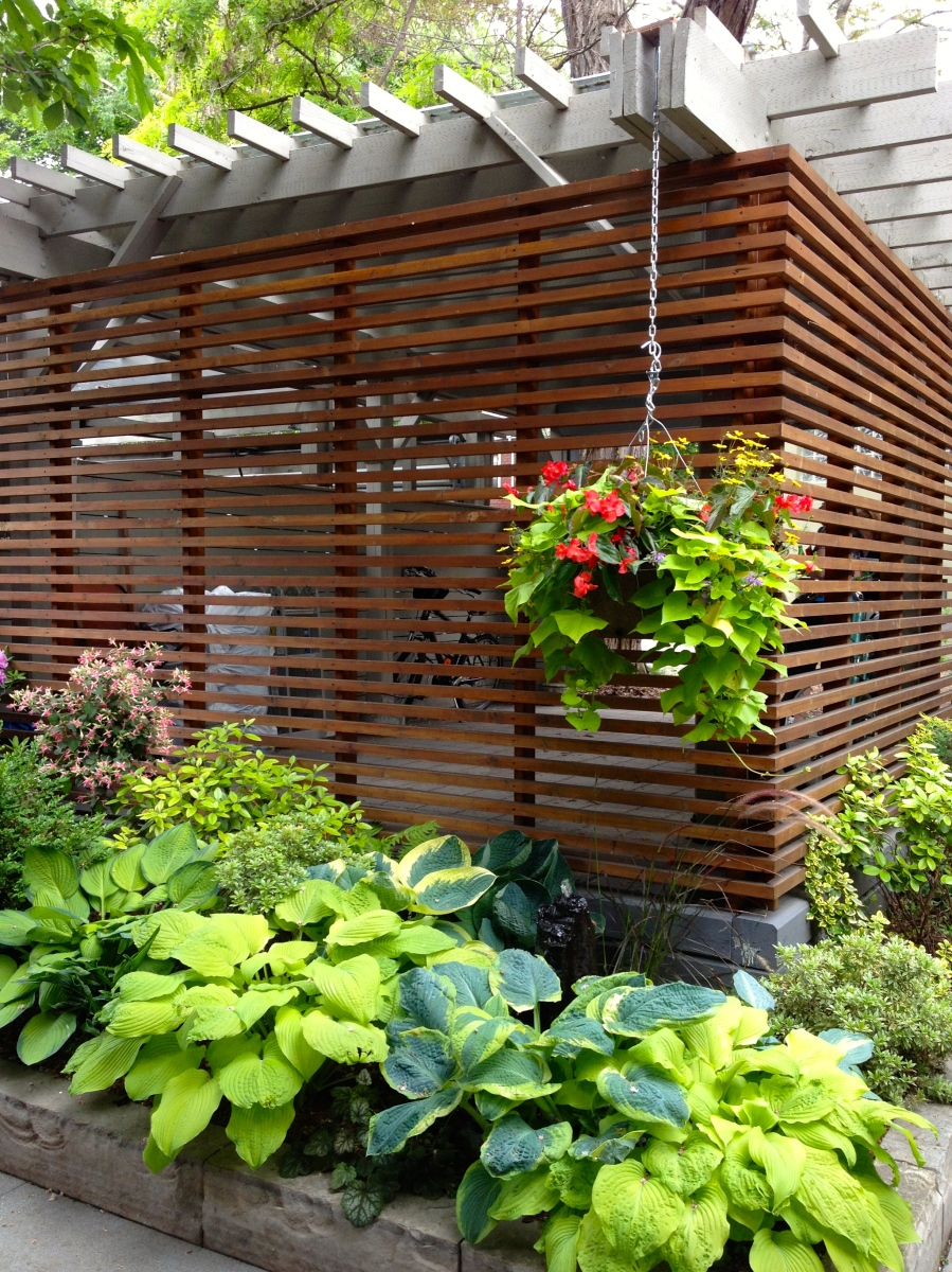 Garage with slatted walls