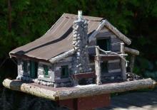 Cabin style birdhouse